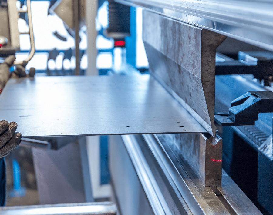Plieuse hydraulique de plaques de métal